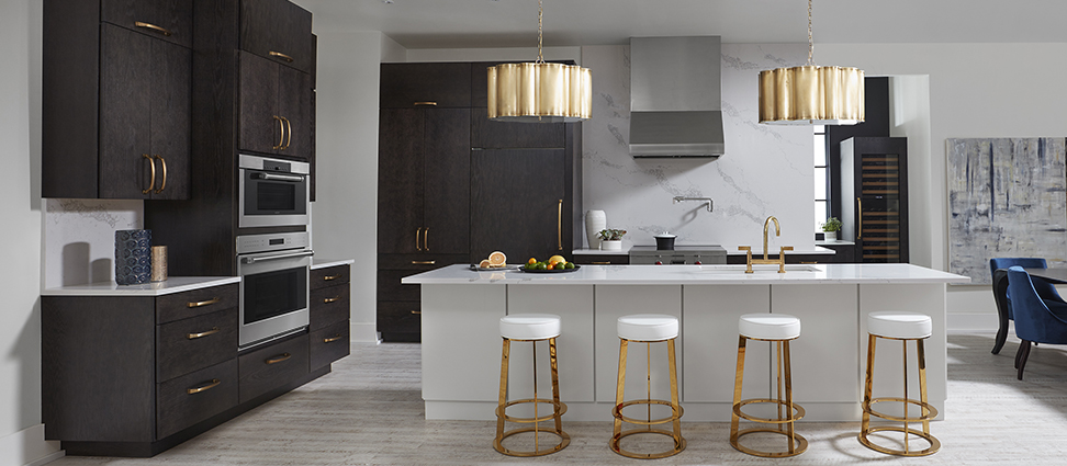 Rohe_Oak_Charcoal_Kitchen_Rohe_Maple_ Divinity_Island_Full Kitchen